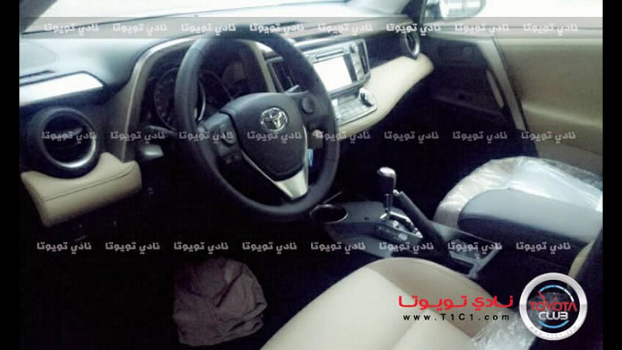 Segredo: Flagra revela visual do Novo Toyota RAV4 2013