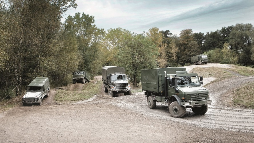 Hatan megsérültek, miközben honvédségi járművek ütköztek az M7-esen