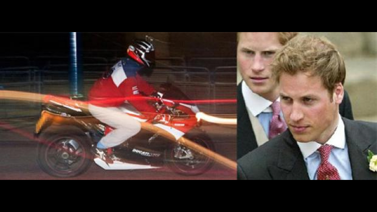Le ultime notti single del principe William: in moto
