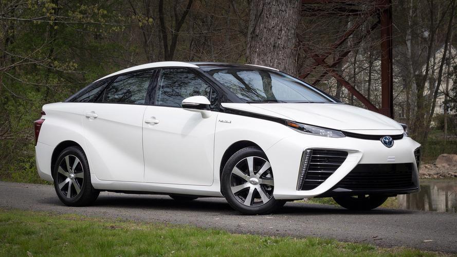 Review: 2016 Toyota Mirai