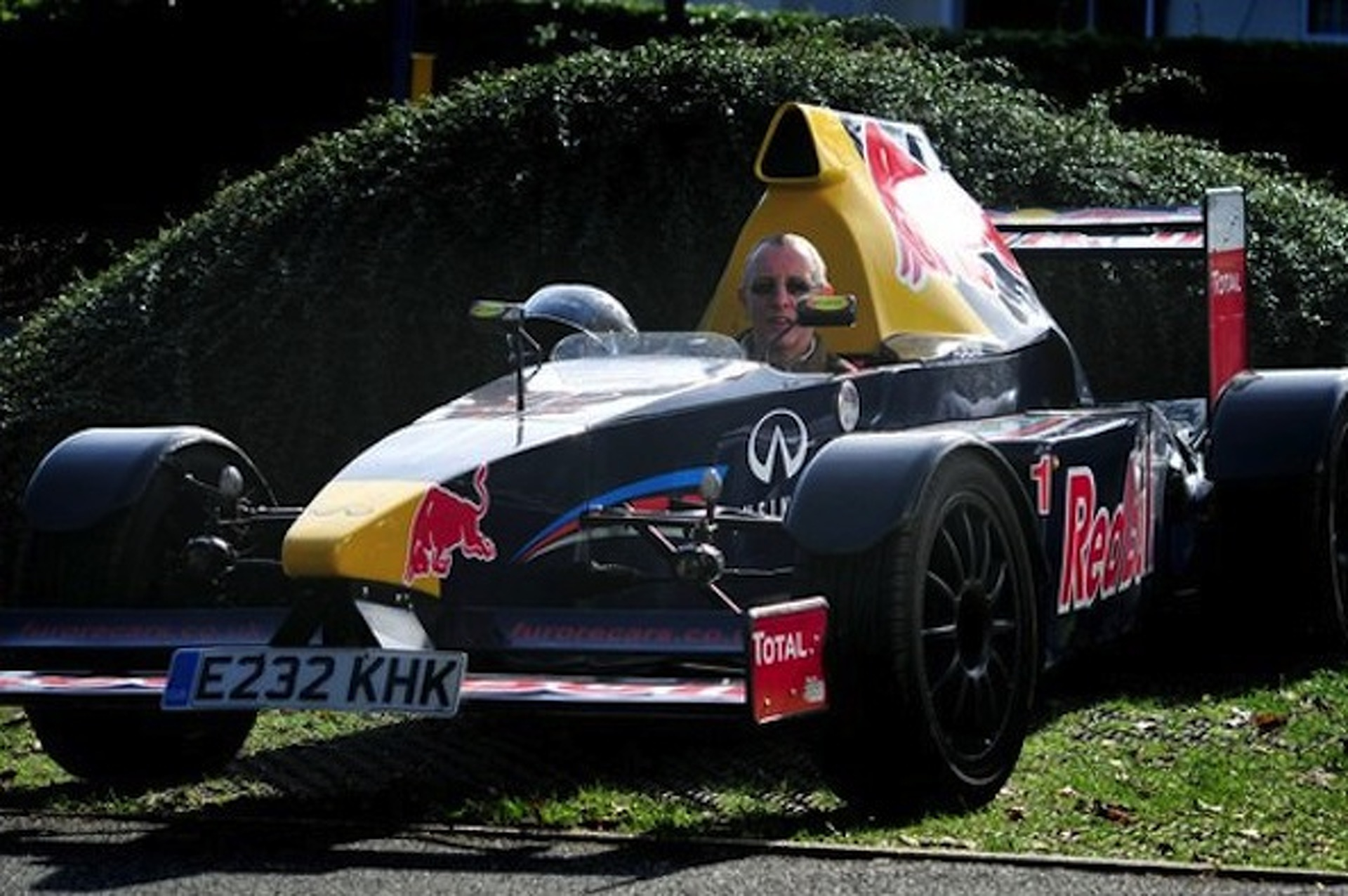 Uk Man Builds His Very Own Street Legal F1 Car
