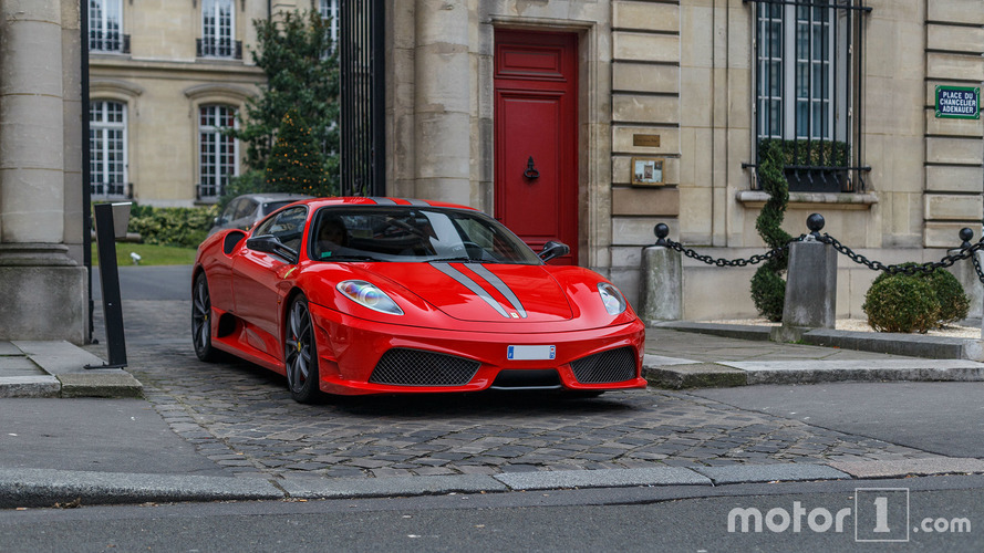 PHOTOS - Les plus belles supercars de Paris en février !