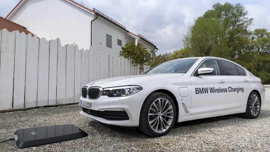 La batterie de la BMW 530e peut désormais être rechargée sans fil