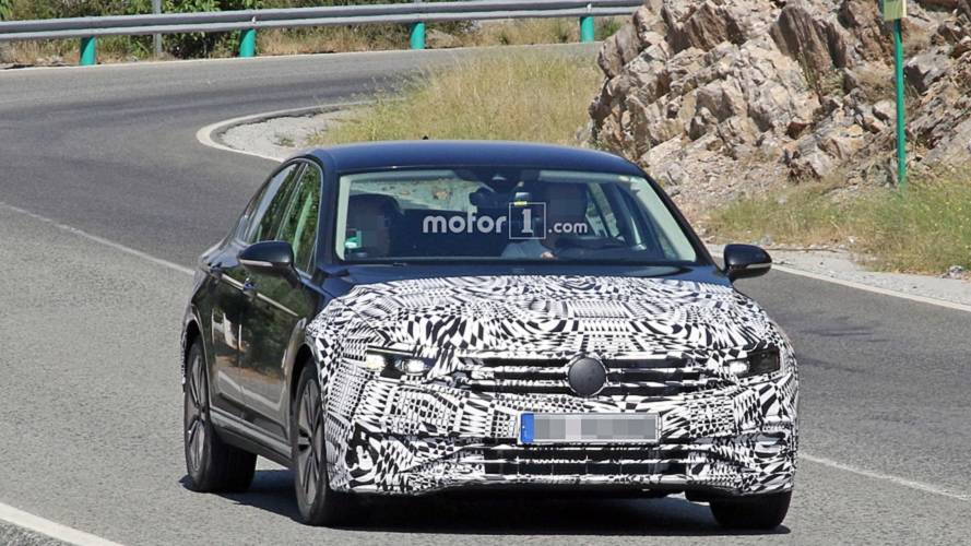 2019 VW Passat GTE facelift spy photos