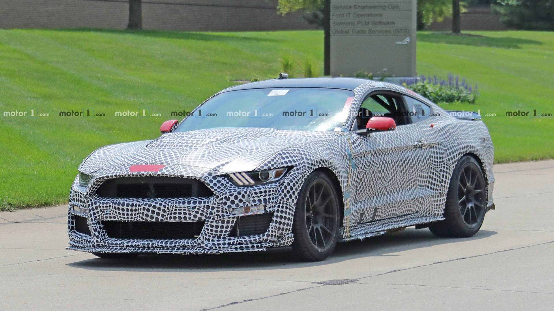 2019 mustang shelby gt500 spied with track pack spoiler vir sticker