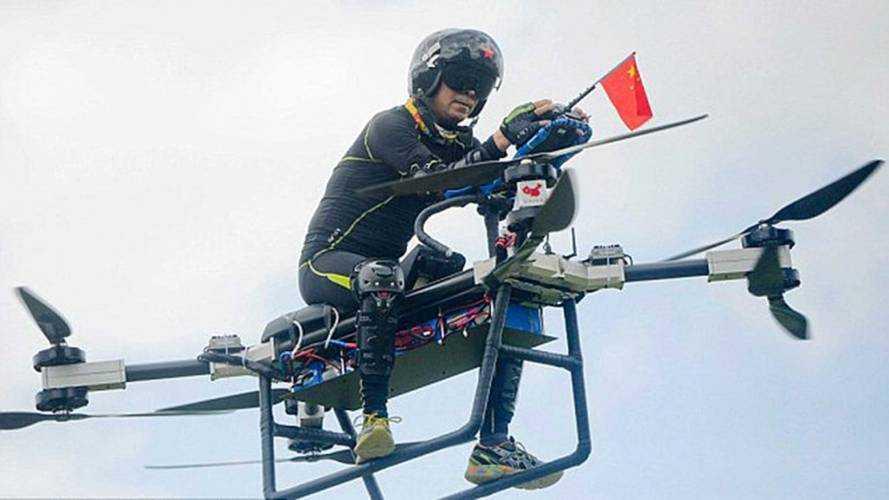 В Китае сделали летающй электромотоцикл