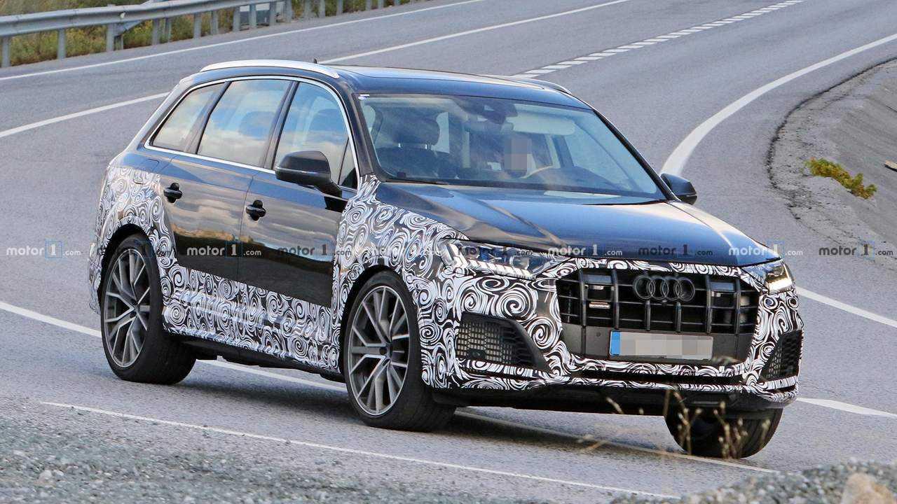 Audi SQ7 Refresh Spy Shots