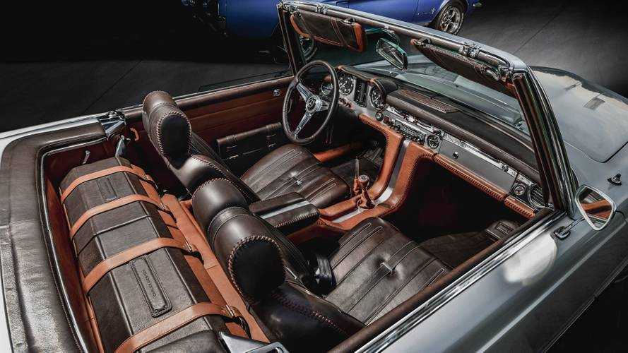Mercedes 230 SL Pagoda reworked interior is exquisite