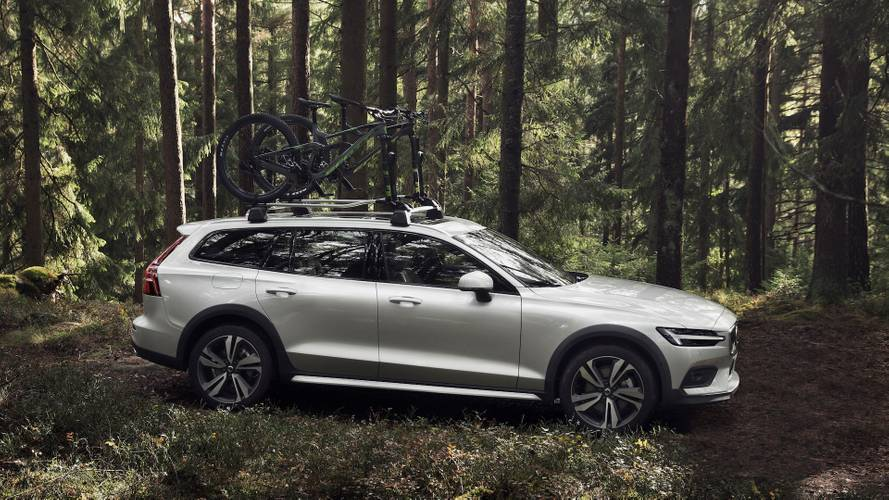 Volvo V60 Cross Country, in fuoristrada con stile