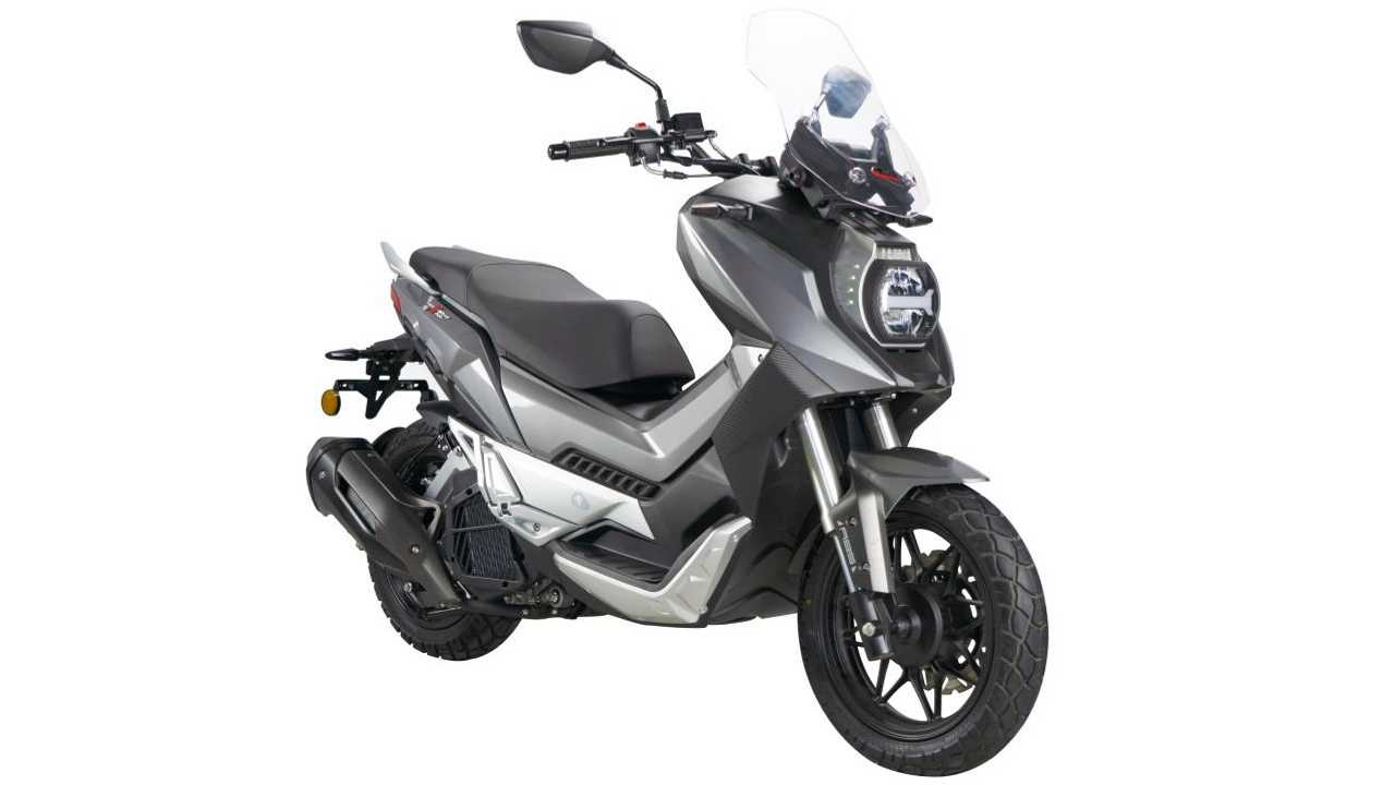The WMoto Xtreme 150i Is A Rugged Go-Anywhere Scooter