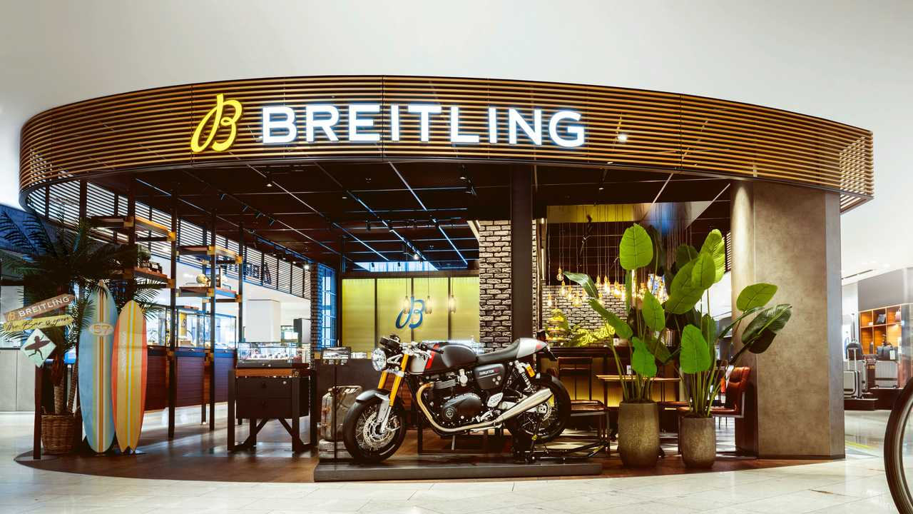 Breitling Triumph Display - Boutique Storefront