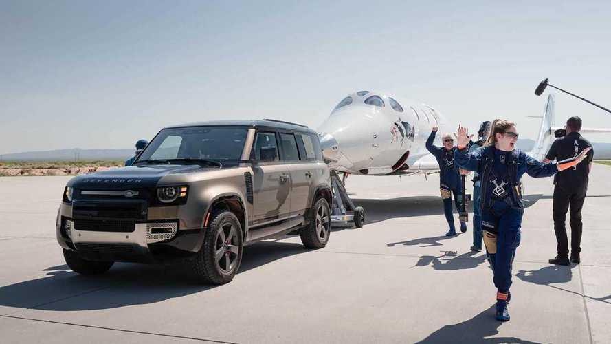 Land Rover conquista lo spazio con Virgin Galactic