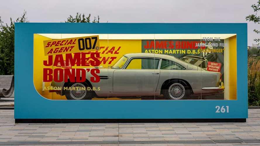Il modellino dell'Aston Martin di 007 diventa un giocattolo enorme