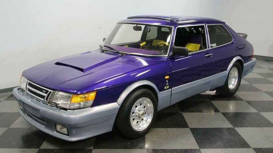 Ez a kompresszoros V8-assal hajtott Saab 900-as a pályára született - és gazdát keres