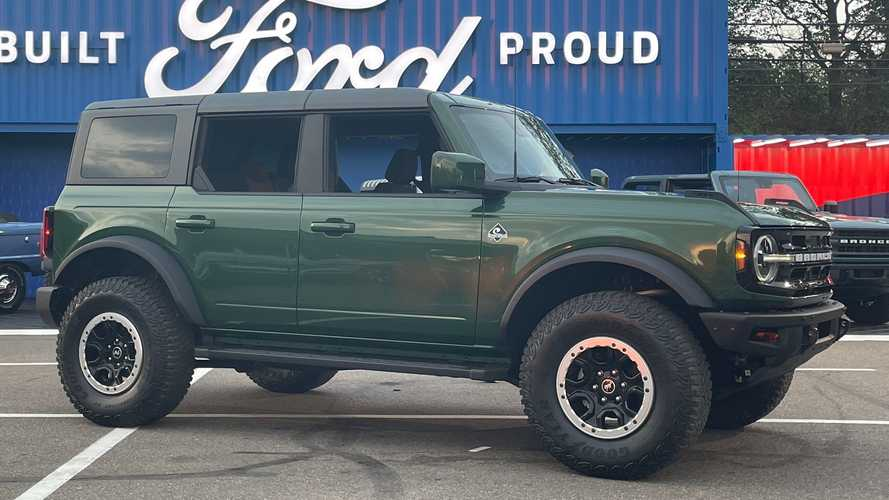 Ford Bronco Offers Heritage-Inspired Eruption Green Paint For 2022