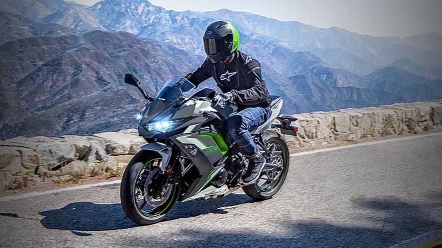 The Kawasaki Ninja 650 Gets Two New Colors For 2022