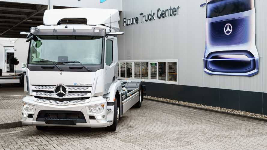 Mercedes-Benz Starts Series Production Of eActros Truck