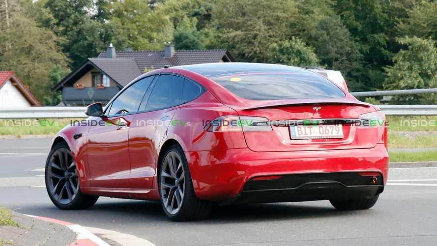 La vidéo de la Tesla Model S Plaid avant et après l'accident