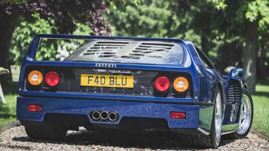 Ferrari F40 blu all'asta