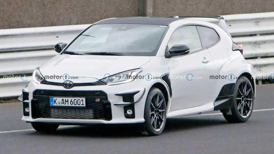 """Toyota GR Yaris """"esagerata"""": al Nurburgring gira quella da 300 CV"""