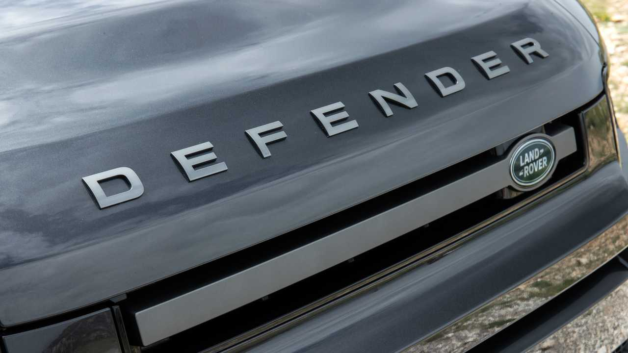 Land Rover Defender getting BMW-sourced V8