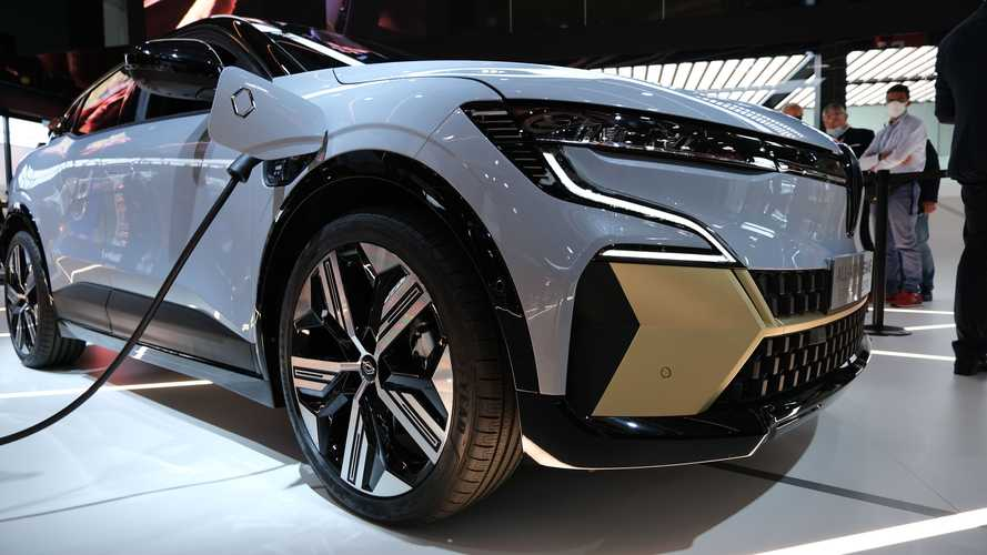 Renault MeganE E-Tech Electric Looks Great At IAA 2021