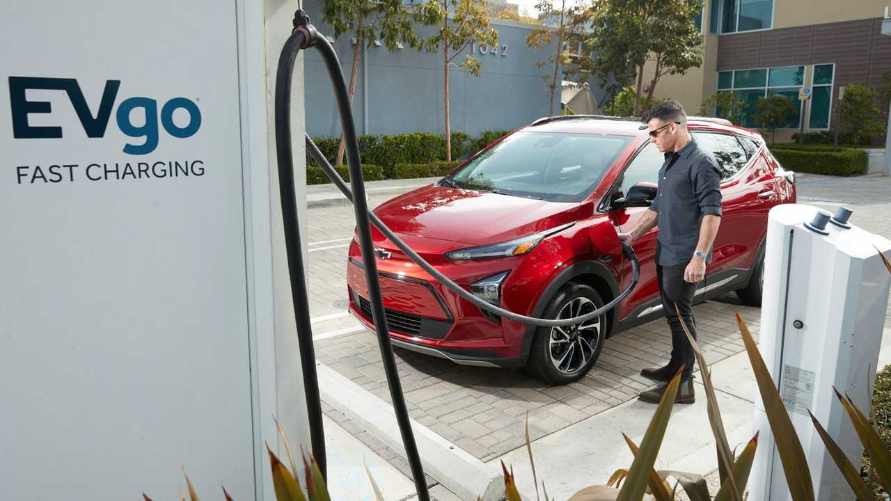 Chevrolet Bolt EUV at EVgo fast charger