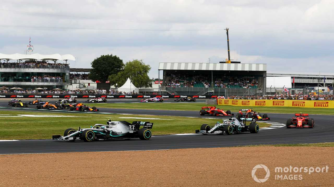Valtteri Bottas leading at the British GP 2019
