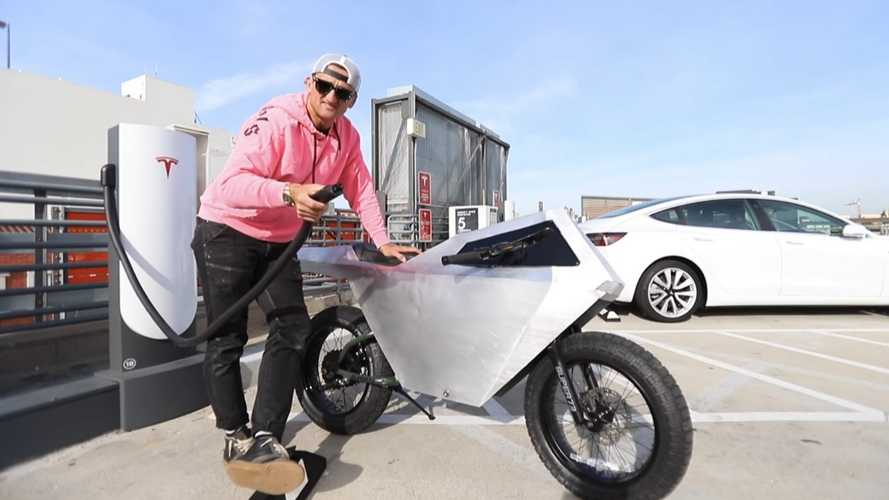Casey Neistat Reveals World's First Cyberbike
