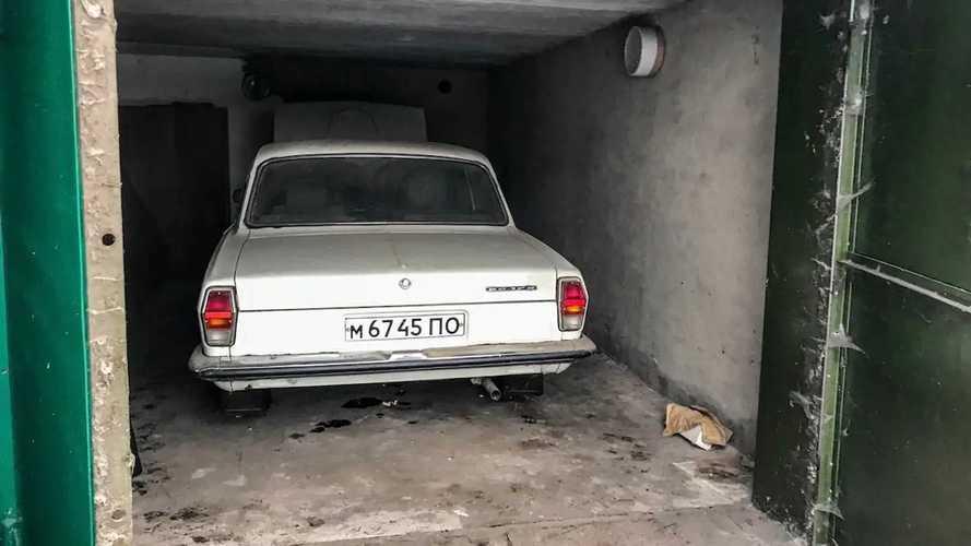 Забытая в гараже «Волга» ГАЗ-24-10