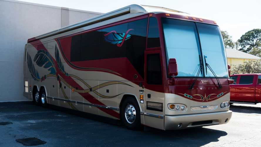 Hit The Road In This Ultra-Luxury 2006 Prevost Motor Coach
