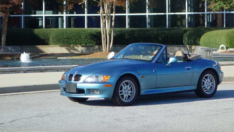 Classifieds Hero: 1996 007 Edition BMW Z3