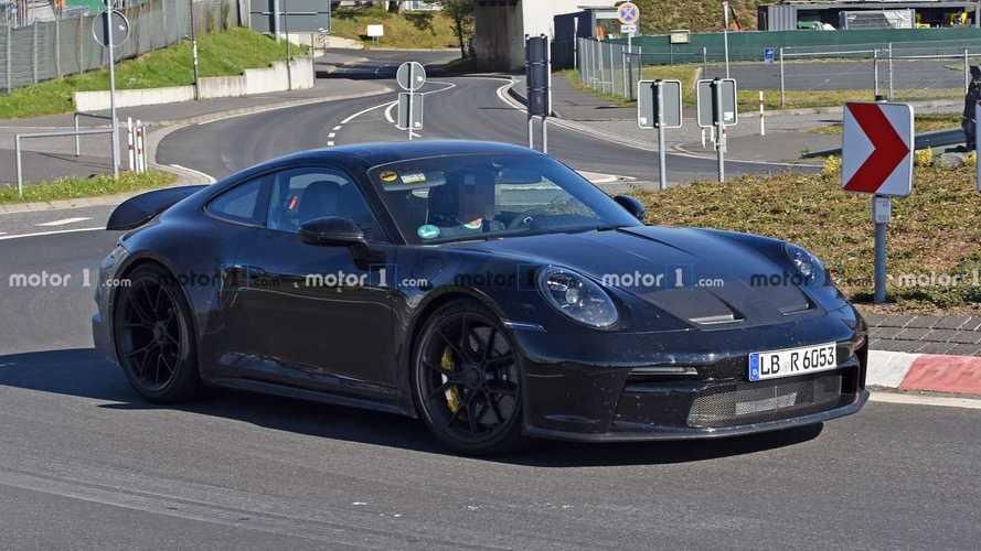 La Porsche 911 GT3 Touring s'échauffe sur l'Enfer Vert