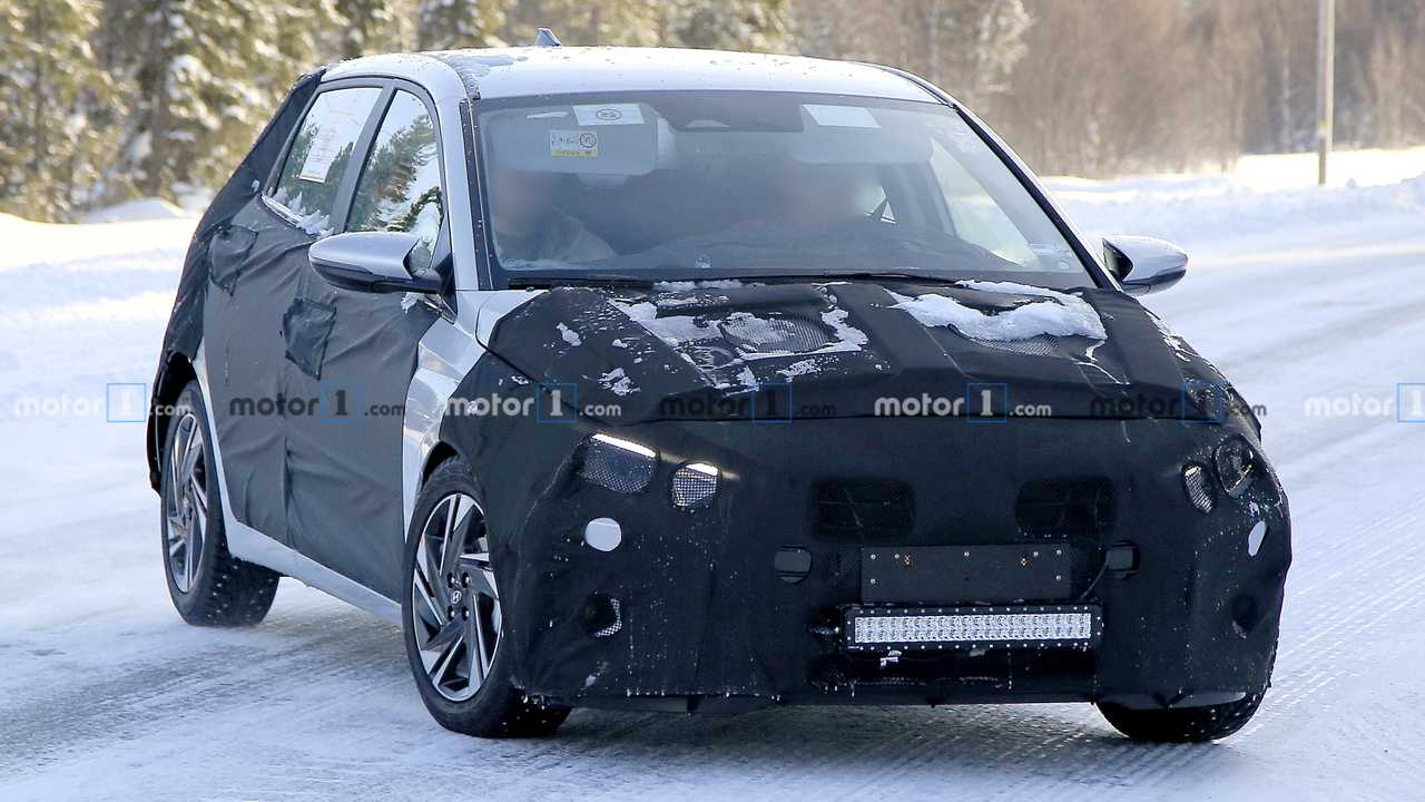 Yeni Hyundai i20 casus fotoğraflar
