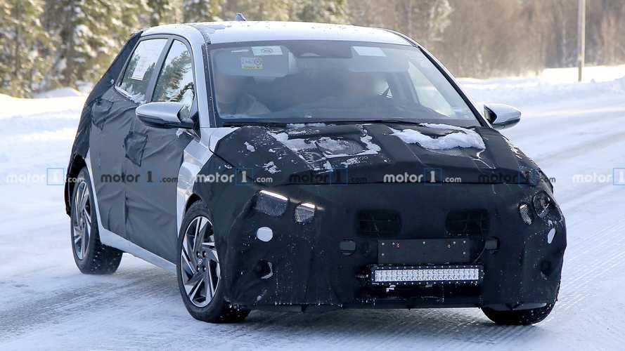 Yeni Hyundai i20 yüzünü gizlemeyi sürdürüyor