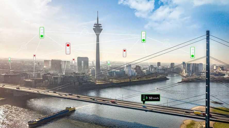 Az Audi autói hamarosan már a közlekedési lámpákkal is kommunikálhatnak
