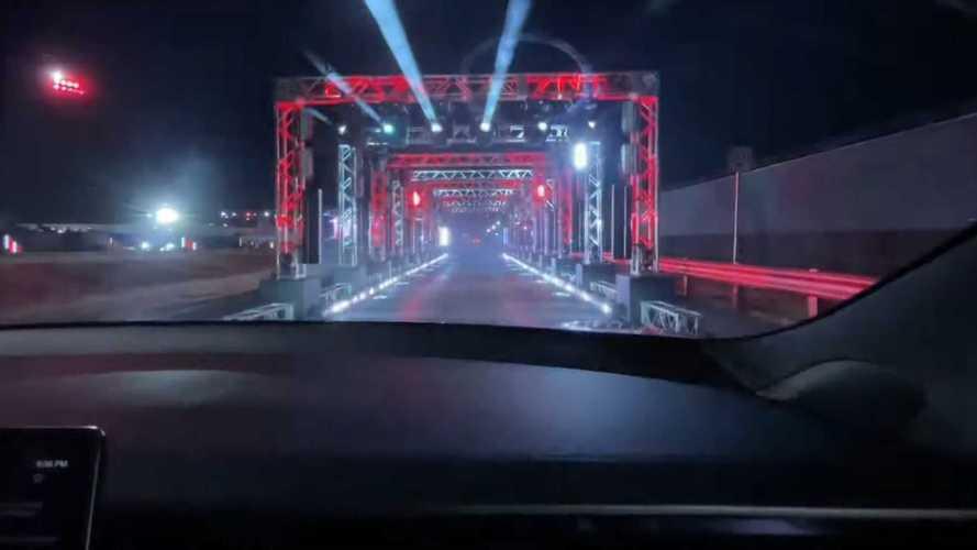 Tesla Model S Plaid'in hızlanma videolarını görün!