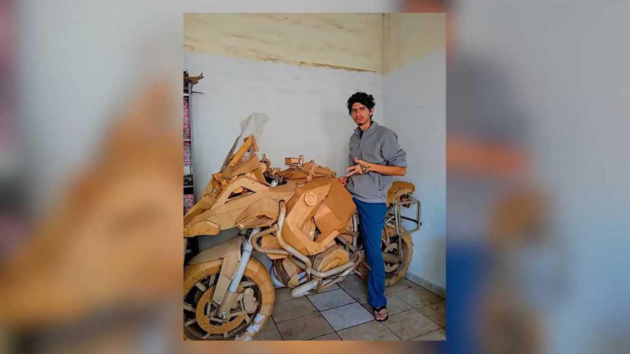 BMW R 1200 GS Cardboard Sculpture
