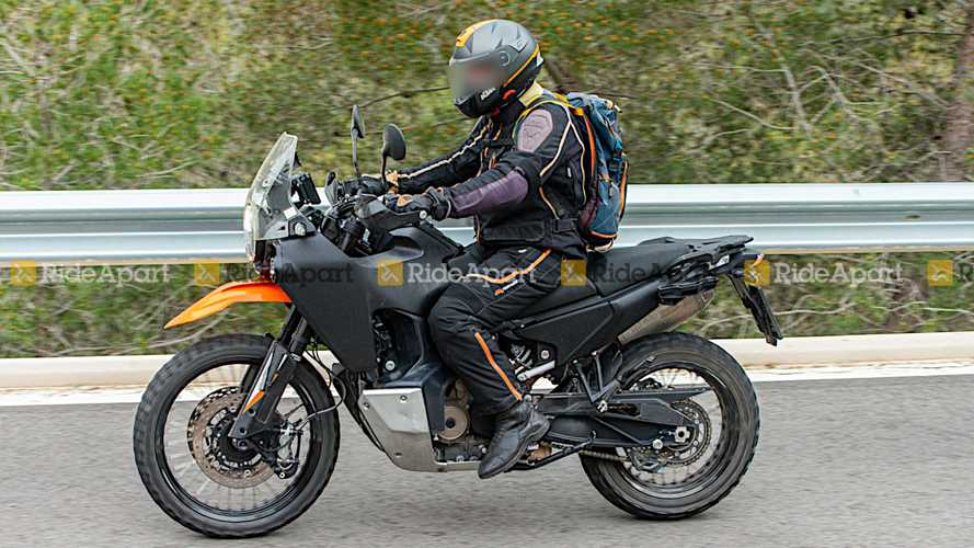 Spotted: Husqvarna Norden 901 Out Testing Ahead Of 2022