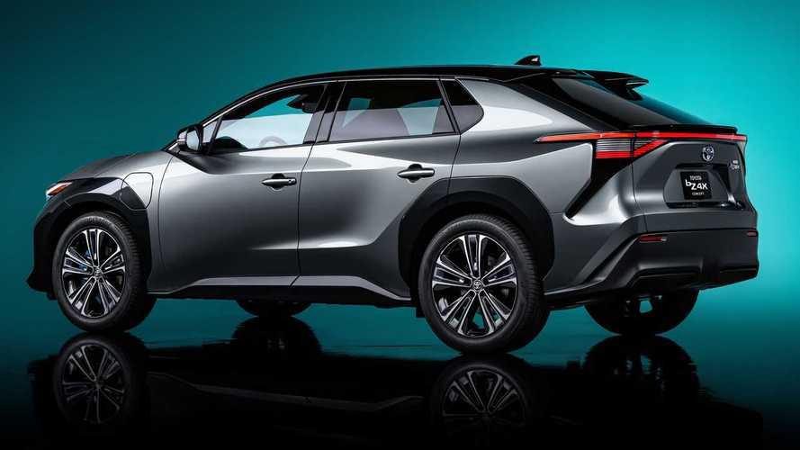 Toyota не торопится делать электромобили массовыми