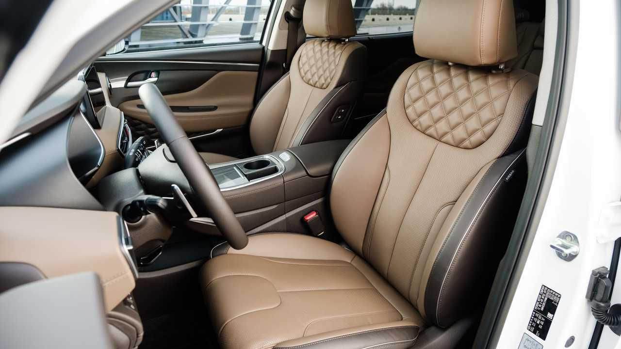 Обновленный Hyundai Santa Fe для России, отделка салона