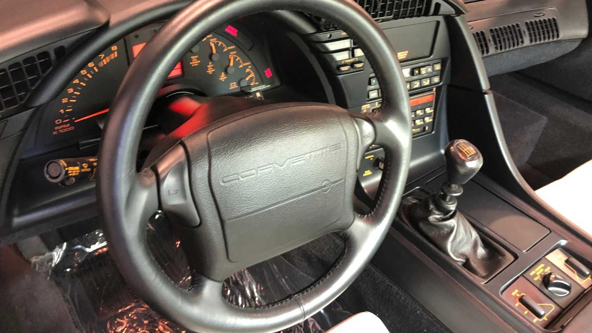 """[""""Rare 1993 Chevrolet Corvette ZR-1 40th Anniversary Up For Sale""""]"""