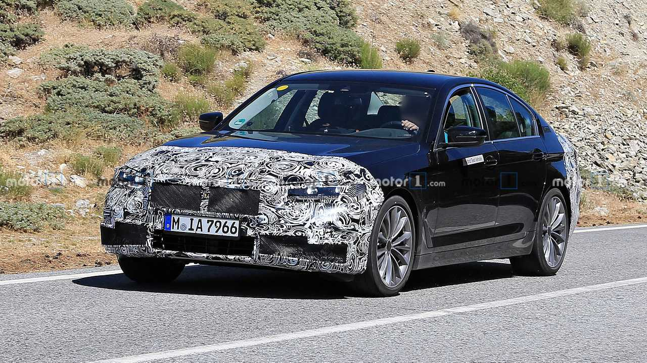 BMW Serie 5 plug in, le foto spia del restyling