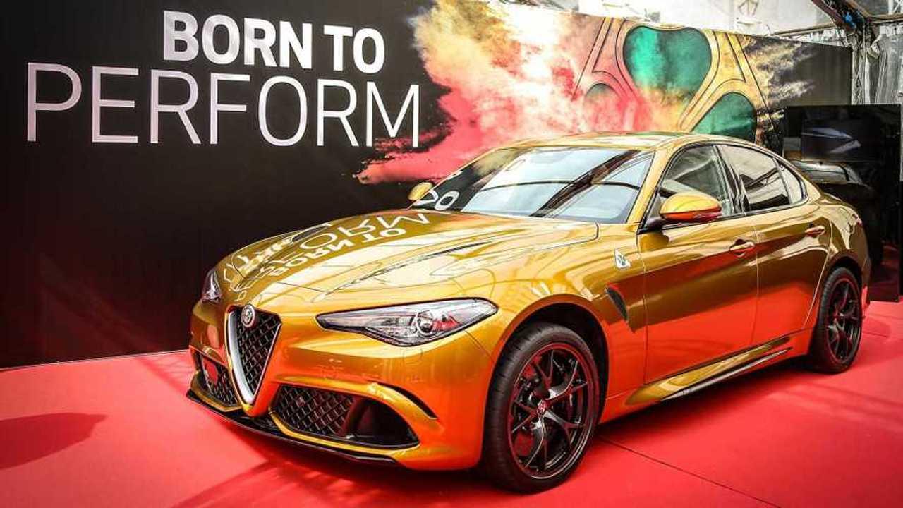 Alfa Romeo Giulia de color dorado