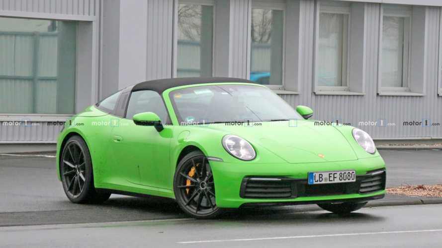 Nuova Porsche 911 Targa, una valanga di foto spia