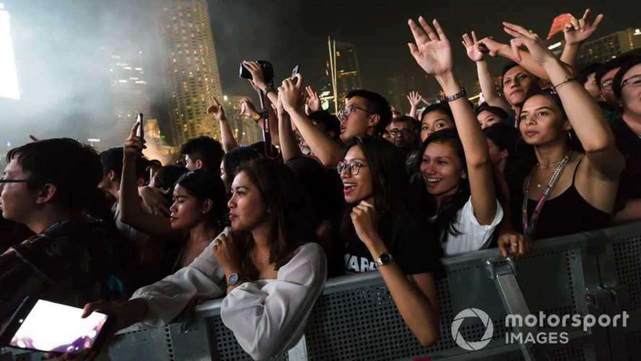 Fans enjoy the music at Singapore GP 2018 concert