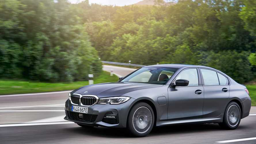 BMW Série 3 vende 4 vezes mais que o Classe C e puxa segmento; veja ranking