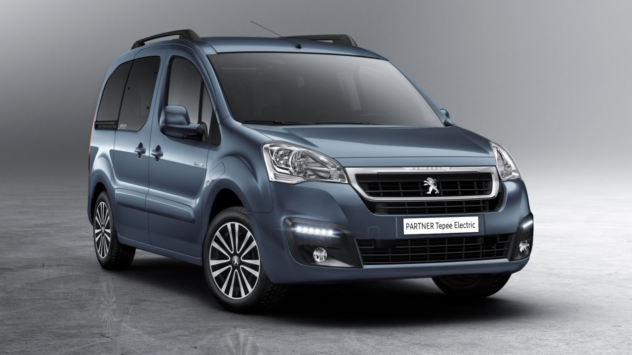 [Copertina] - Peugeot Partner Tepee Full Electric, modularità a zero emissioni