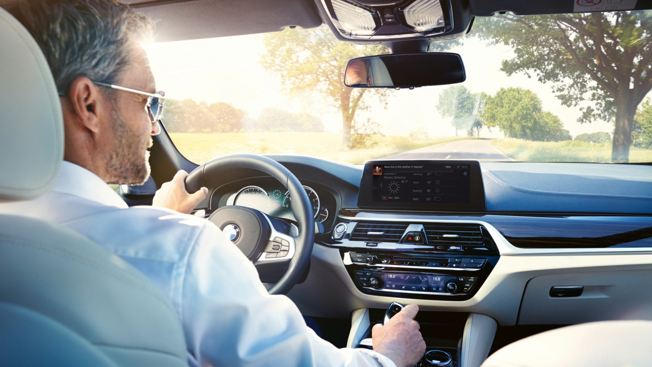 [Copertina] - BMW e MINI, dal 2018 arriva Alexa