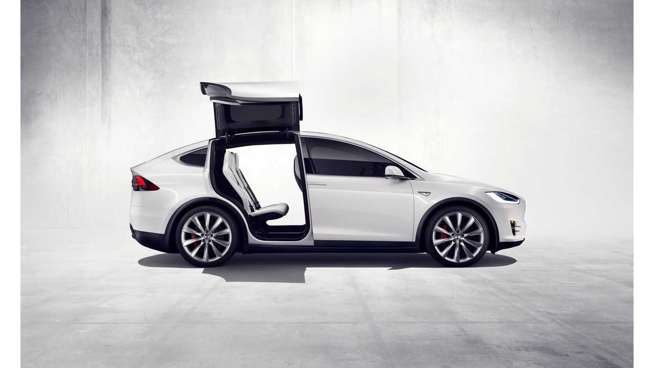 Men's Journal Posts Tesla Model X First Drive Review